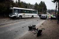 No tuvo heridas graves el conductor del auto que chocó con el colectivo
