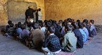 Reabrieron las escuelas en Afganistán sin alumnas ni profesoras