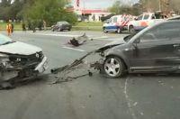 Se bajaron a ayudar en un accidente, y murieron atropellados por otro auto