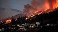 Se abrió una nueva boca eruptiva en el volcán de La Palma y siguen las explosiones