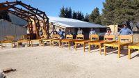 Jóvenes del San José Obrero fabrican camas para Salud Mental del hospital