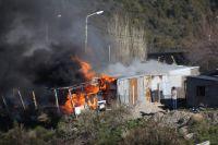 Voraz incendio afectó una vivienda en el barrio Arrayanes