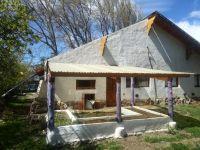 Vecina de Dina Huapi perdió sus invernaderos y parte del techo de su vivienda