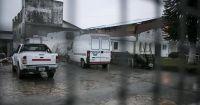 Separan a un agente penitenciario sospechado de traficar estupefacientes en el penal de Bariloche
