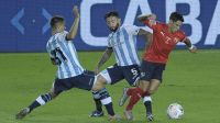 Racing le ganó a Independiente con un penal sobre el final y festejó el clásico