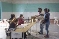 Radicales de Bariloche ya votan en la elección interna