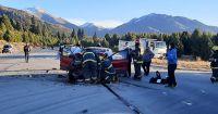Protagonista del accidente se fracturó las dos piernas al chocar con la camioneta