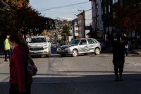 Chocaron dos vehículos por la mala maniobra de un tercero