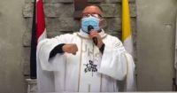 """La canción viral del coronavirus de un sacerdote: """"Hay covid pa'ti hay covid pa'mi"""""""