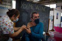 Comenzaron a aplicar la segunda dosis de la vacuna Sinopharm en Bariloche: ¿qué día me corresponde?