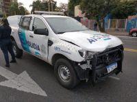 Video: patrullero cruzó semáforo en rojo y mató a un repartidor que iba en moto