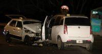 Tres personas tuvieron que ser trasladadas al hospital tras impactante choque frontal en Bustillo