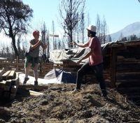 Vecinas del Amor juntaron miles de ladrillos para la reconstrucción de 30 casas