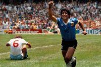 A 35 años del Gol del Siglo, la obra de arte de Maradona ante Inglaterra
