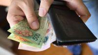 Pagan los sueldos estatales desde el 1 de julio, y aguinaldos desde el 22