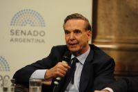 """Miguel Angel Pichetto: """"Cuba no nos puede vender ni aspirinas"""""""